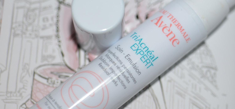 TriAcnéal Expert corretor global para peles oleosas, acneicas e com sinais
